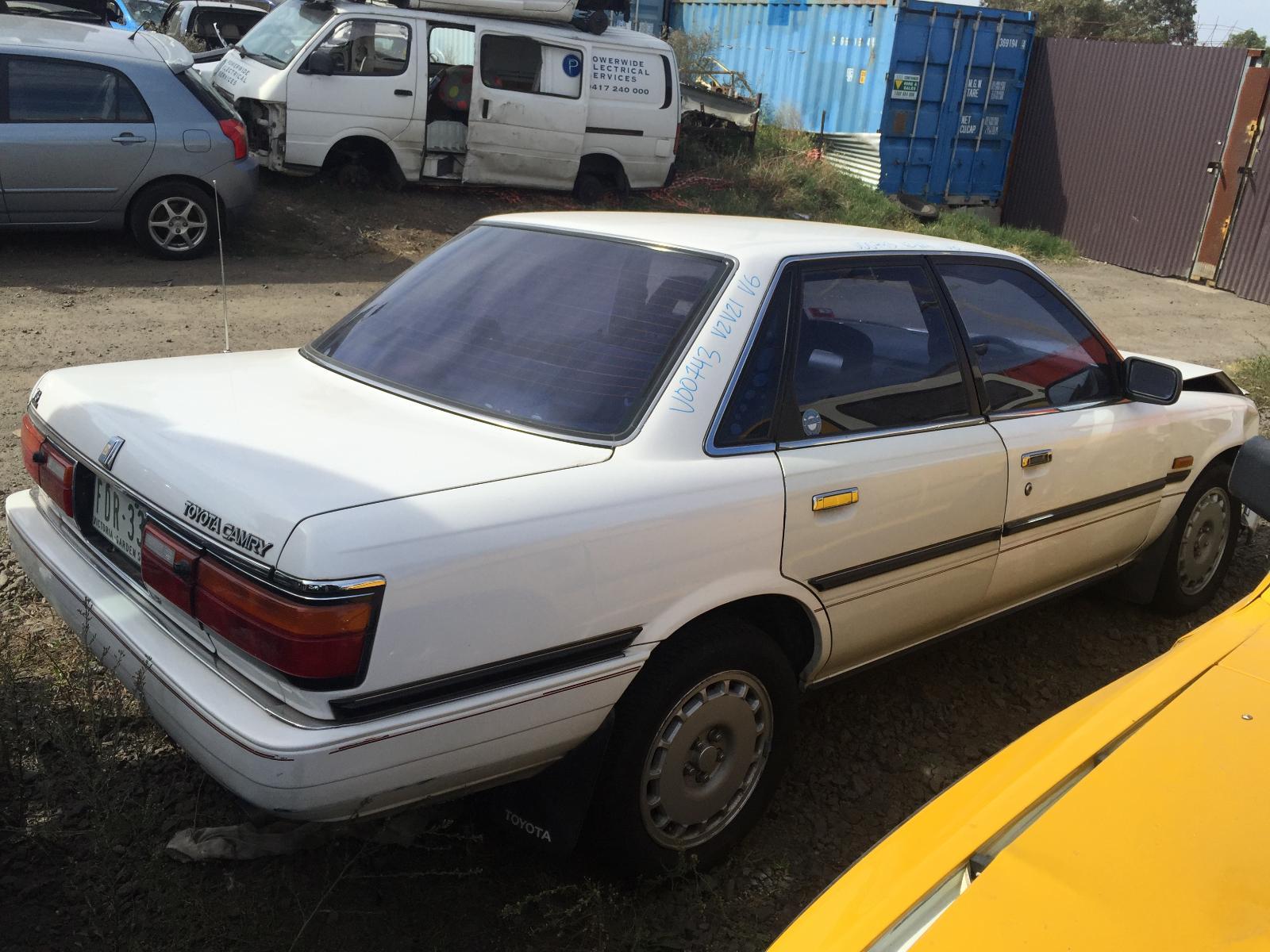 toyota camry zvz21 sedan left front door window glass 1987 1992 wrecking car aud. Black Bedroom Furniture Sets. Home Design Ideas